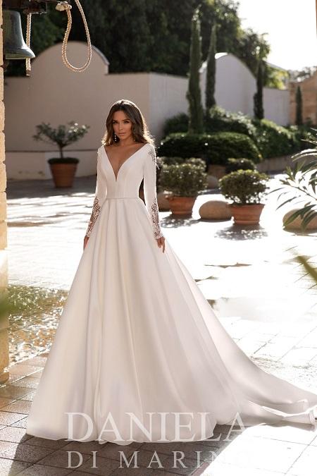 Hochzeitskleid mit langen Ärmeln weiss