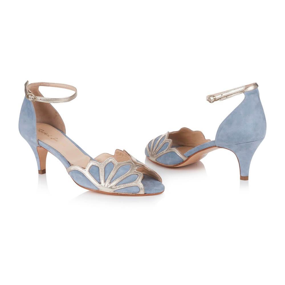 blaue Schuhe für Brautkleid